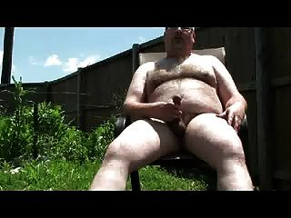 Str8 Chubby Dad Loves To Cums Outside (02)