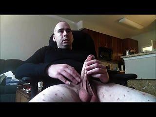 Str8 Men Watching Porn & Jerk Vi