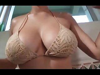 Sexy Japanese Model Ai Shinozaki