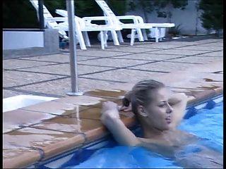 Swimmingpool Love 4