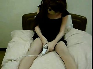 cute girl spielt mit vibrator