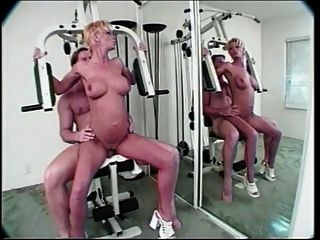 Scarlet Getting Anal In The Gym