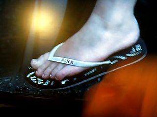 Cum On Miley Cyrus Feet
