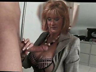 Beverly Callard, (liz Macdonald ) Tugging