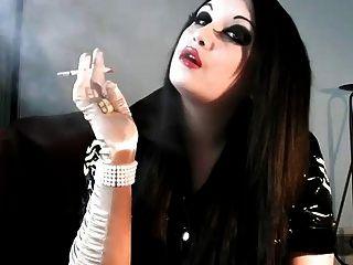 Princess Smoke - Smoking Fetish Richmond Superking Menthol