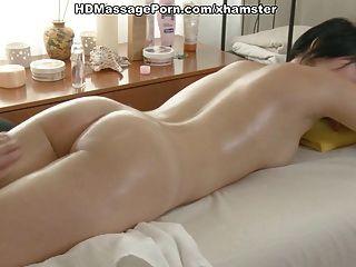 Asian Beauty Gets In Massage Fuck