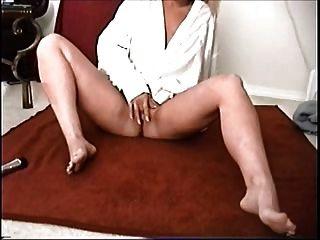Horny Multi Orgasmic Milf