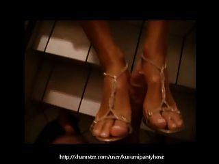 Kurumipantyhose - Public Footjob With My Shoes On!