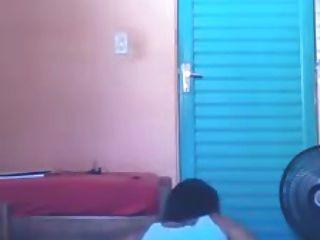 Novinha Dancando Funk Saia