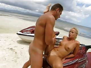 Slow 48 - The Ultimate Beach Dream (woman)