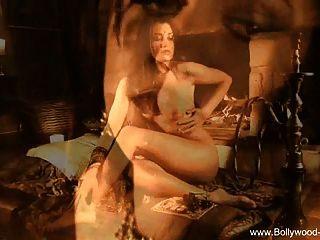 Indian Girlfriend Wants Erotic Love