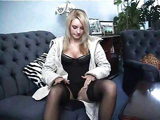 Hairy Pussy Brit (innerworld)