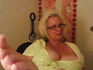 Platinum Blonde Anglo-nordic Milf Big Western Feet Joi