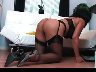 Busty Brunette Masturbate While Cleaning
