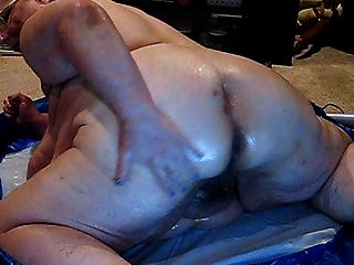 Who Wants To Play With Me In Oil