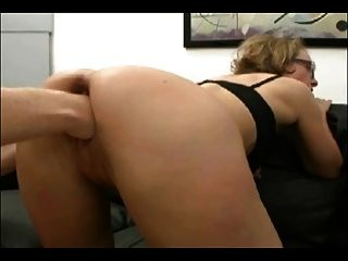 German Mature Fisted In A 3some