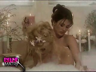Anna Nicole Smith - Lesbo Bath