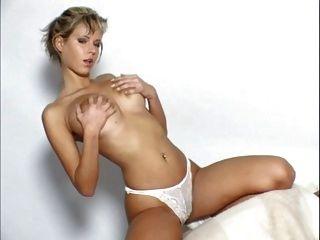 Zuzana Drabinova Aka Raylene Richards Masturbation Scene