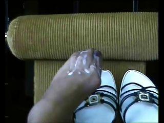 Cum All On My Feet!!!