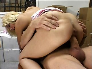 Hunk Gets Lucky With A Hottie