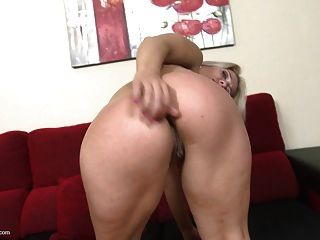 Mature Blonde Mom Wants Anal And Pussy Sex