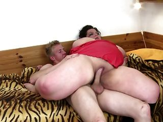 Big Mature Mom Suck And Fuck Teen Boy
