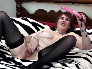 Natural Busty Mature Mom With Thirsty Pussy