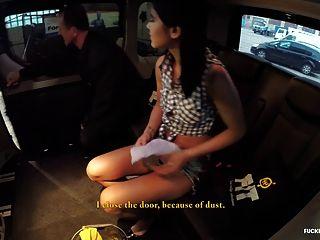 Fuckedintraffic - Slut Lady Dee Getting Fucked At A Car Wash