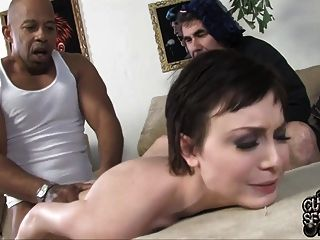 Young Wife Suck And Fuck Bbc In Front Of Old Cuck