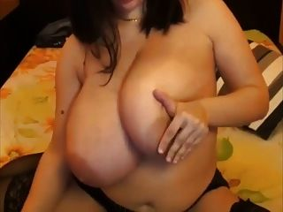 A primer big saggy boobs jumping jacks low angle 4