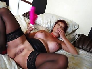 Old But Hot Mature Mom With Thirsty Cunt