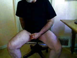 Big Dick Daddy Bear Jerking And Cumming