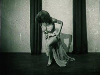 Storm In A D Cup - Vintage Burlesque Striptease 50