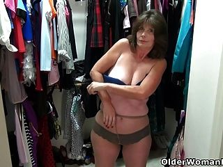 American Gilf Ava Ends Up On The Floor Masturbating