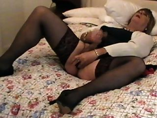 Cd  Tv Carolyn In Stockings Cums For You