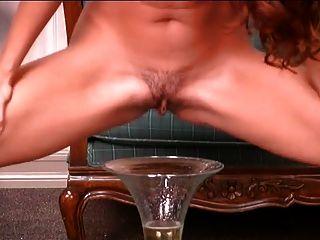 Girls Peeing Pissing Golden Streams 1
