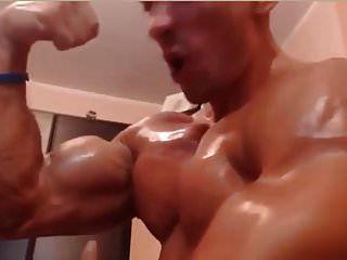 Muscle Niipleplay