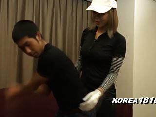 Korea181.com - Sexy Cougar Dressed For Golf
