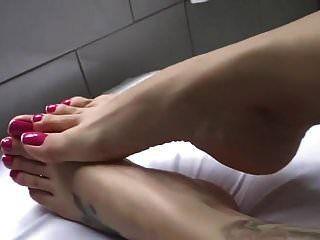 Toes Teasing
