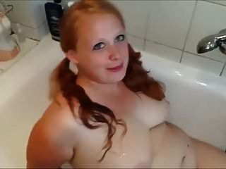 Bbw Pissing Porn Videos at Anybunny.com