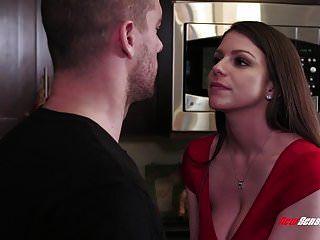 Cheating Wife Brooklyn Chase Fucks Hung Stud