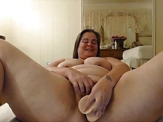 Happy Plumper Mom With Big Booty Looking For Fun