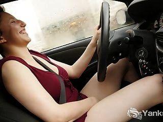 Yanks Jenny Mace Orgasms While Driving