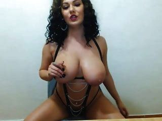 Busty Beautiful Latina Dancing And Teasing On Cam