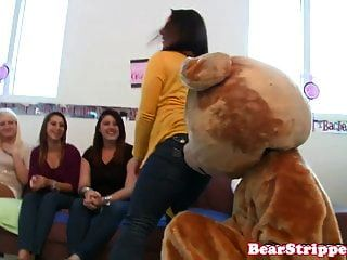 Real Birthday Babe Dicksucking At Her Party