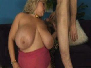 Curvy amatuer girls naked