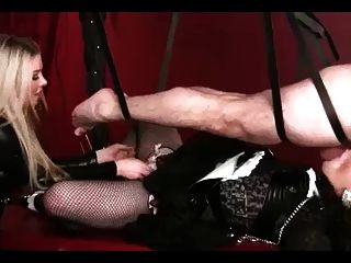 sissy sucking dildo
